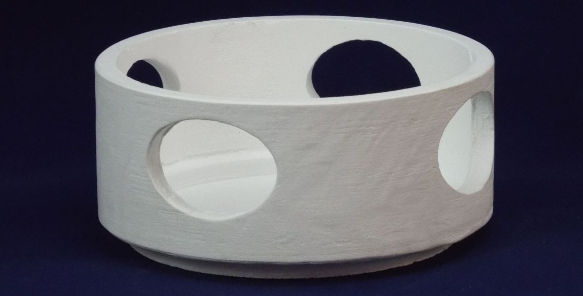 dental crucible with vent holes